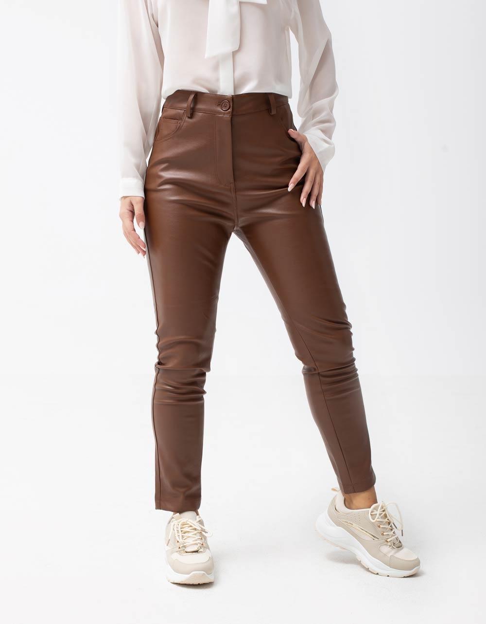 Εικόνα από Γυναικείο παντελόνι σε απλή γραμμή Καφέ