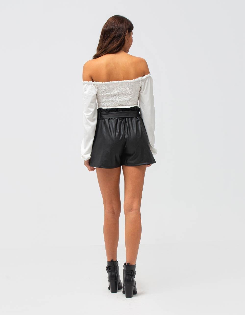 Εικόνα από Γυναικεία μπλούζα με ακάλυπτους ώμους Λευκό