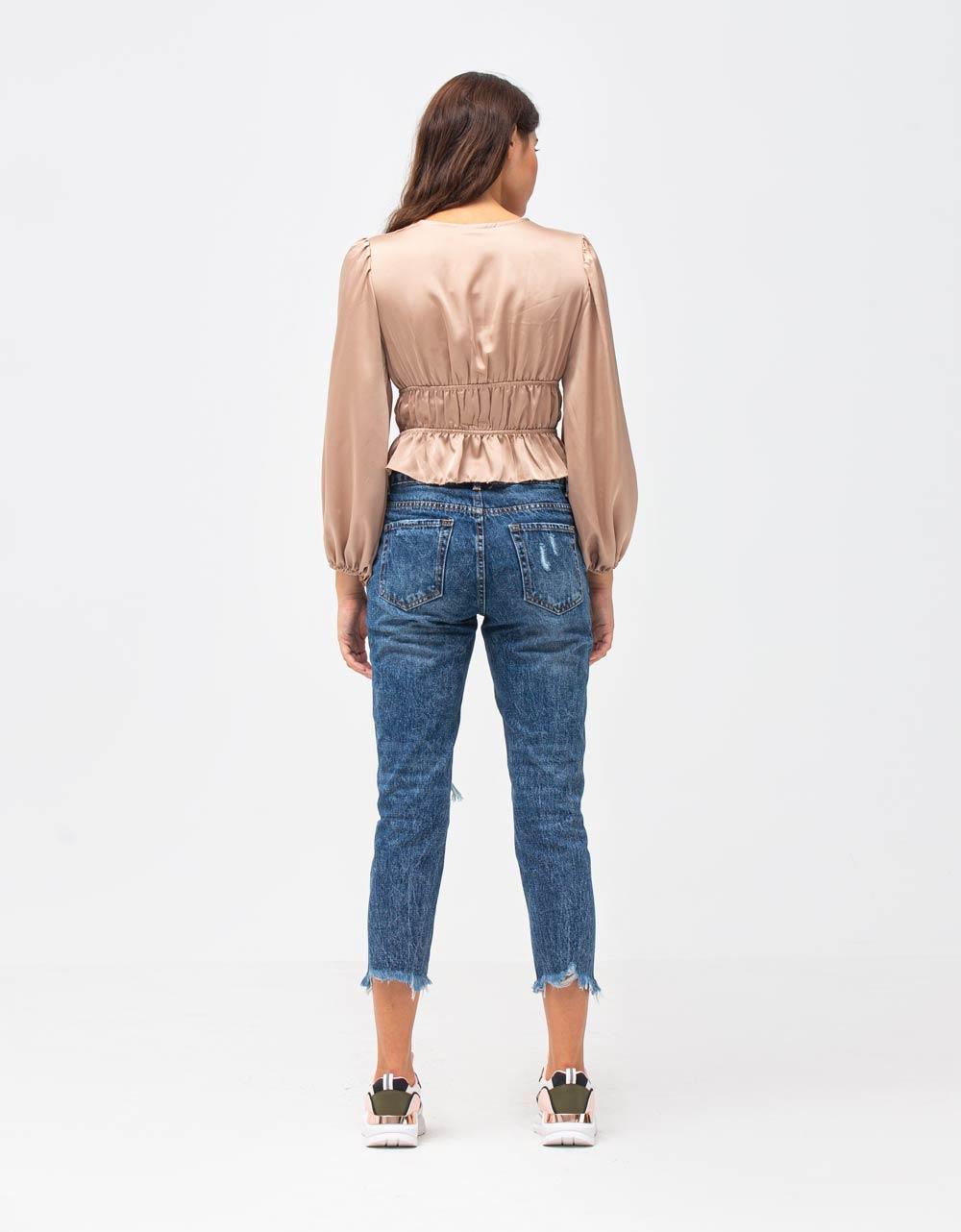 Εικόνα από Γυναικεία μπλούζα σατέν με σούρες Μπεζ
