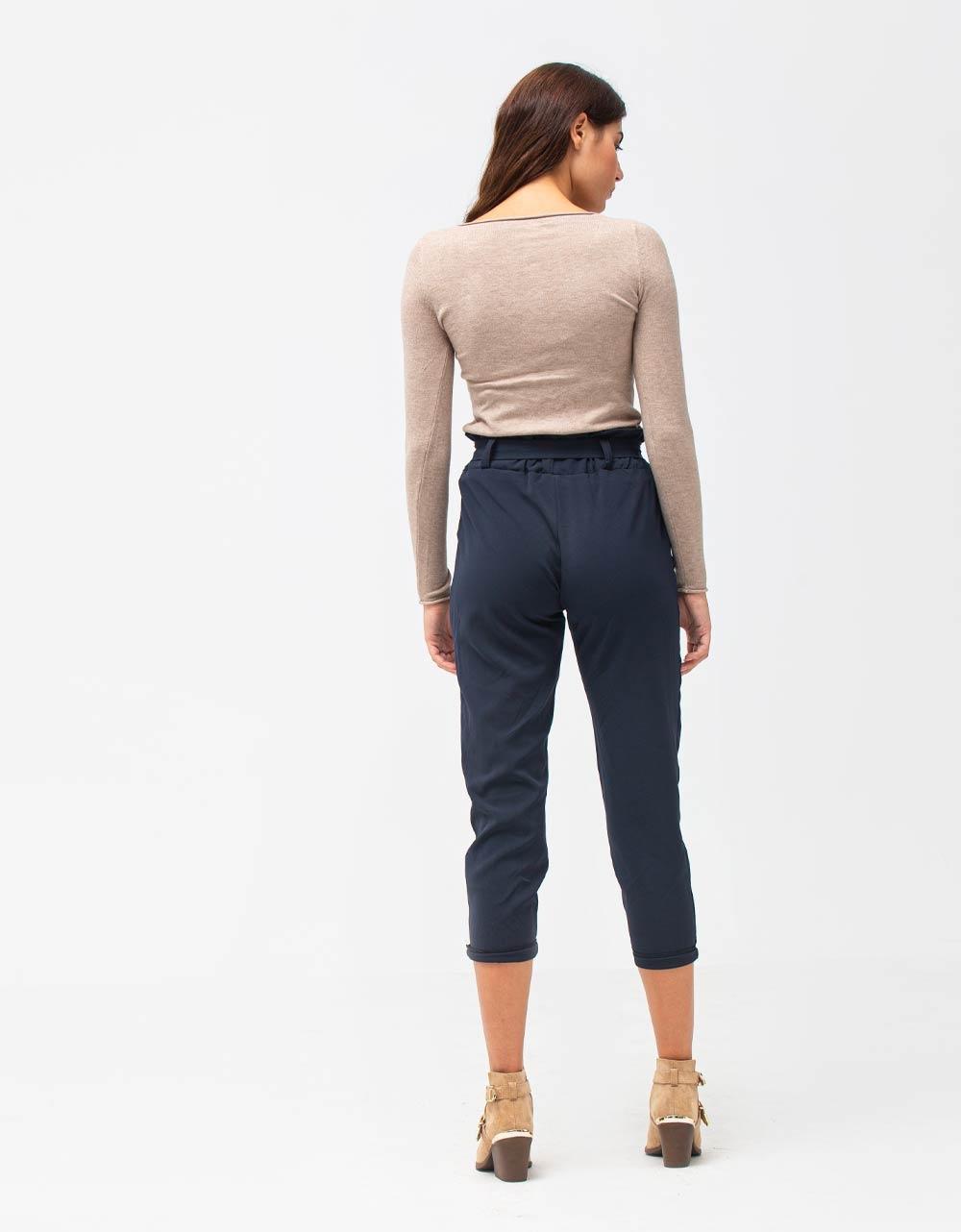 Εικόνα από Γυναικεία μπλούζα σε απλή γραμμή Μπεζ