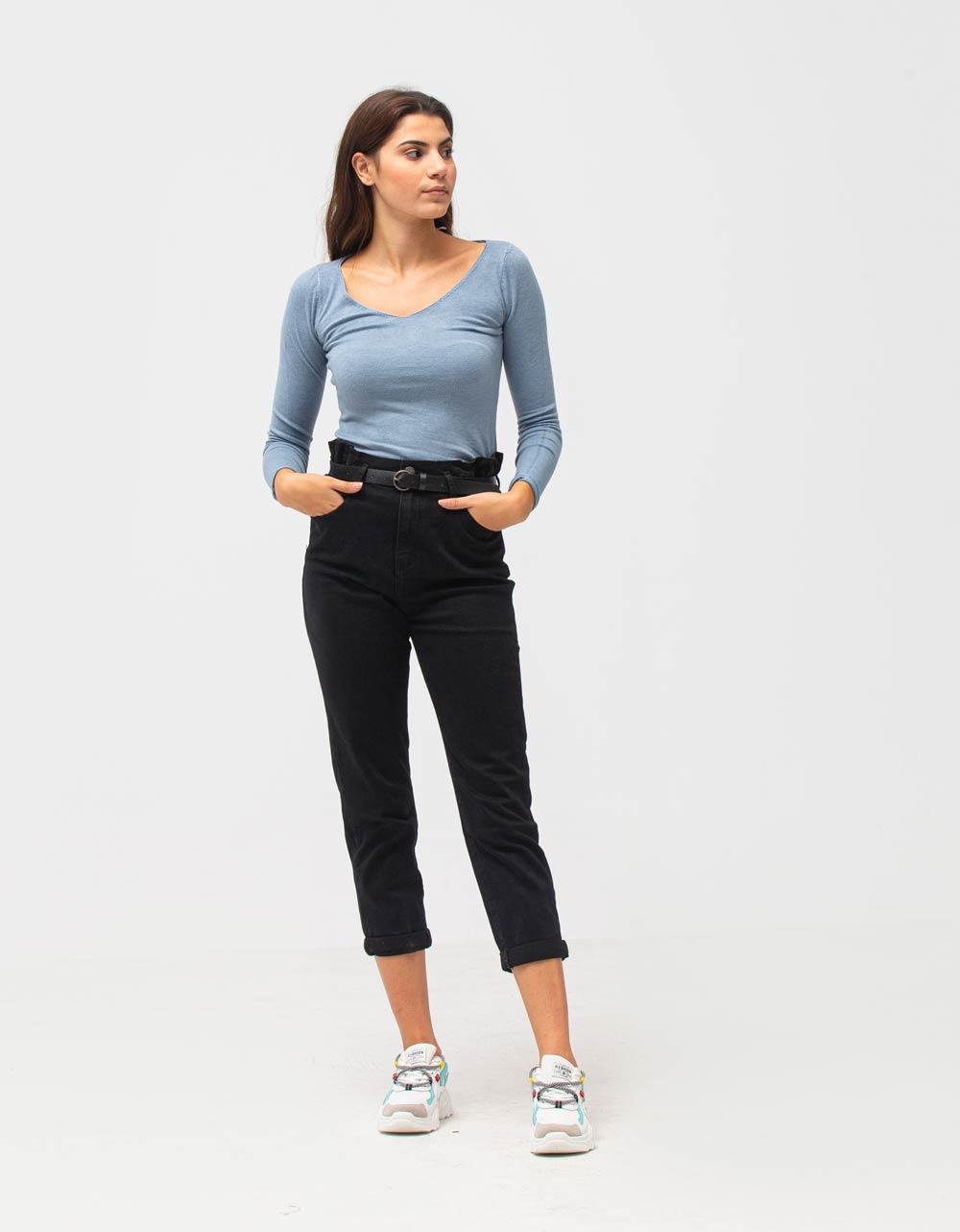 Εικόνα από Γυναικεία μπλούζα σε απλή γραμμή Σιέλ