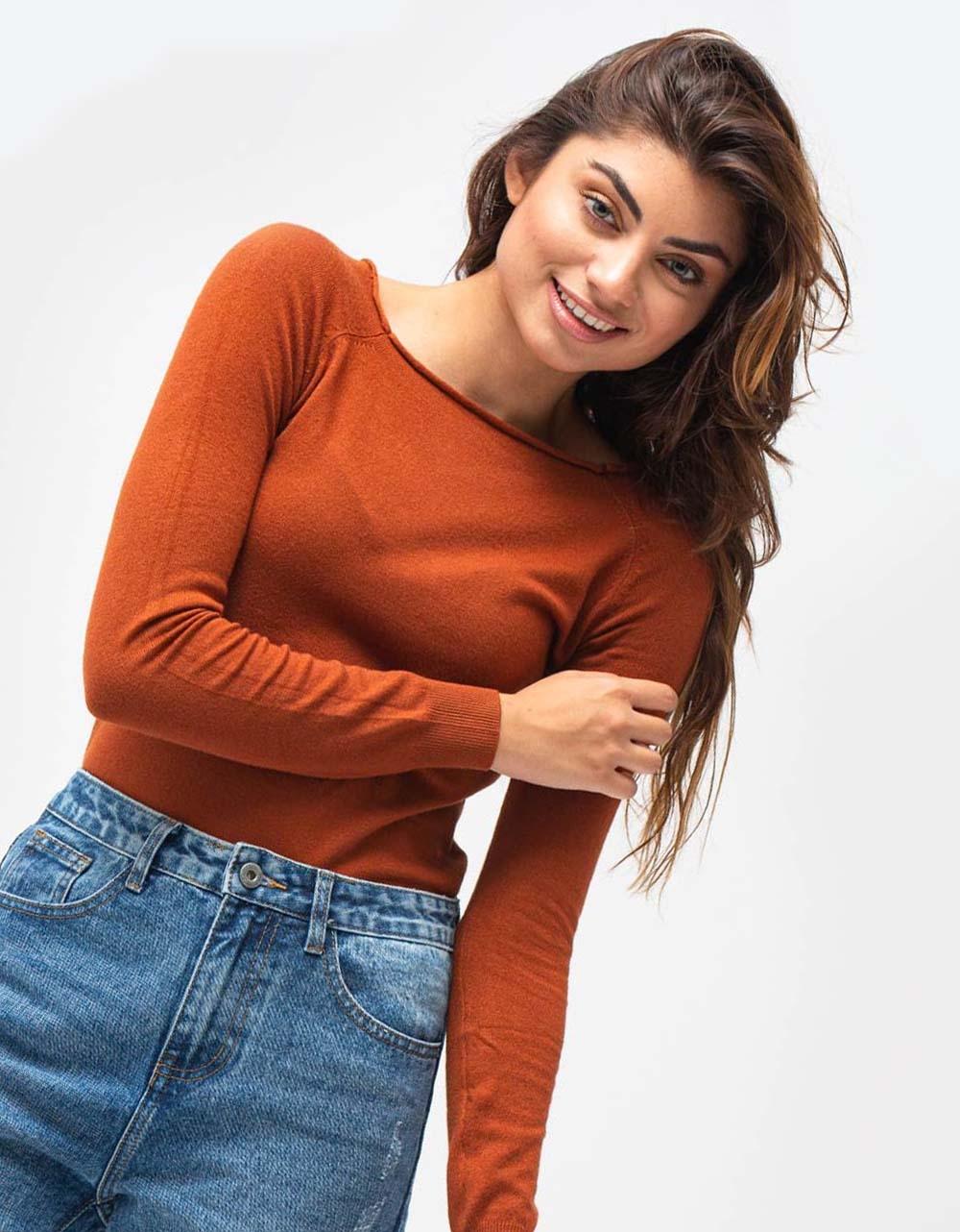 Εικόνα από Γυναικεία μπλούζα σε απλή γραμμή Ταμπά