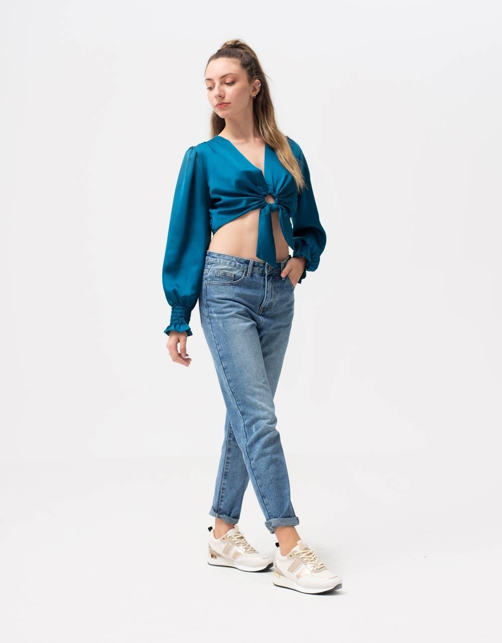 Εικόνα από Γυναικεία μπλούζα τοπ σατέν με σούρα στα μανίκια και κρίκο Μπλε