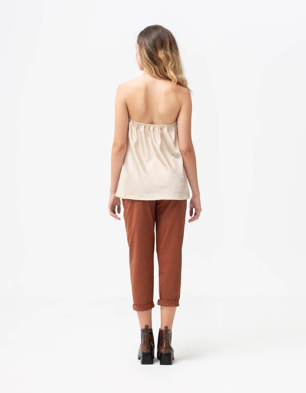 Εικόνα από Γυναικεία μπλούζα τοπ τιραντάκι σατεν με αλυσίδα Μπεζ