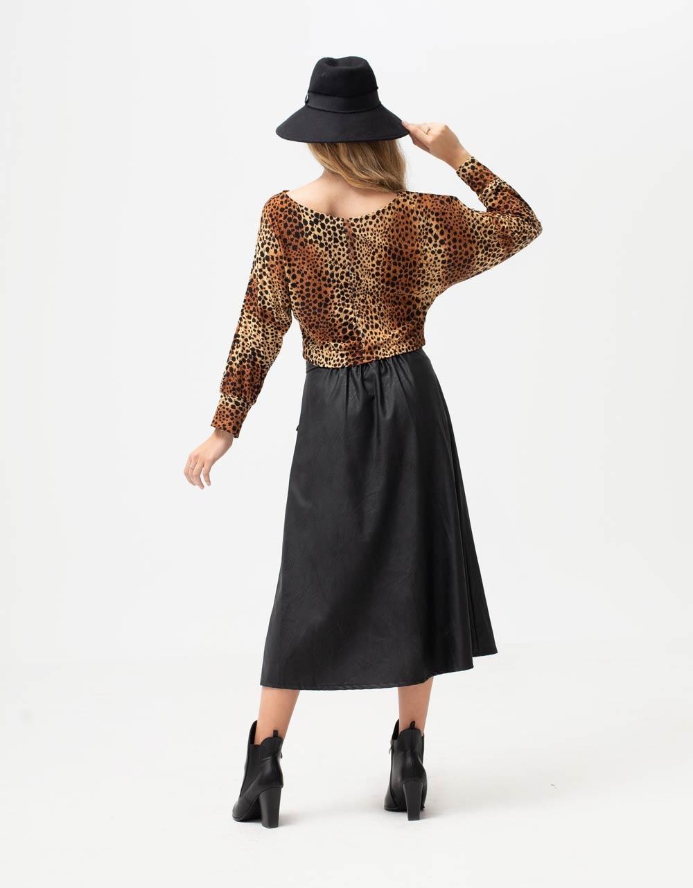 Εικόνα από Γυναικεία μπλούζα φαρδιά με σχέδιο Λεοπάρ