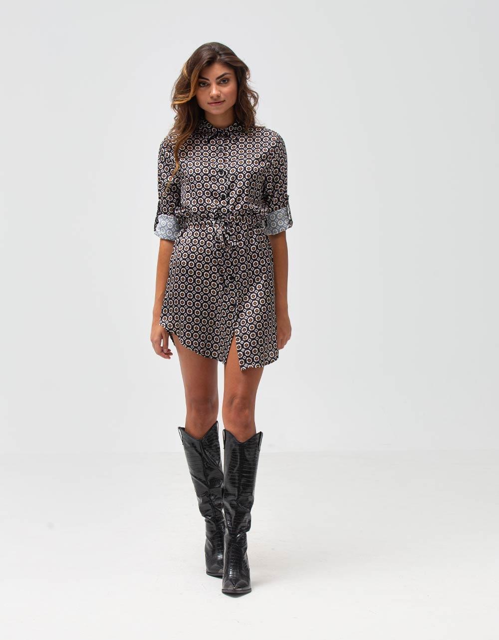 Εικόνα από Γυναικείο πουκάμισο φόρεμα με ζωνάκι και σχέδια Μαύρο