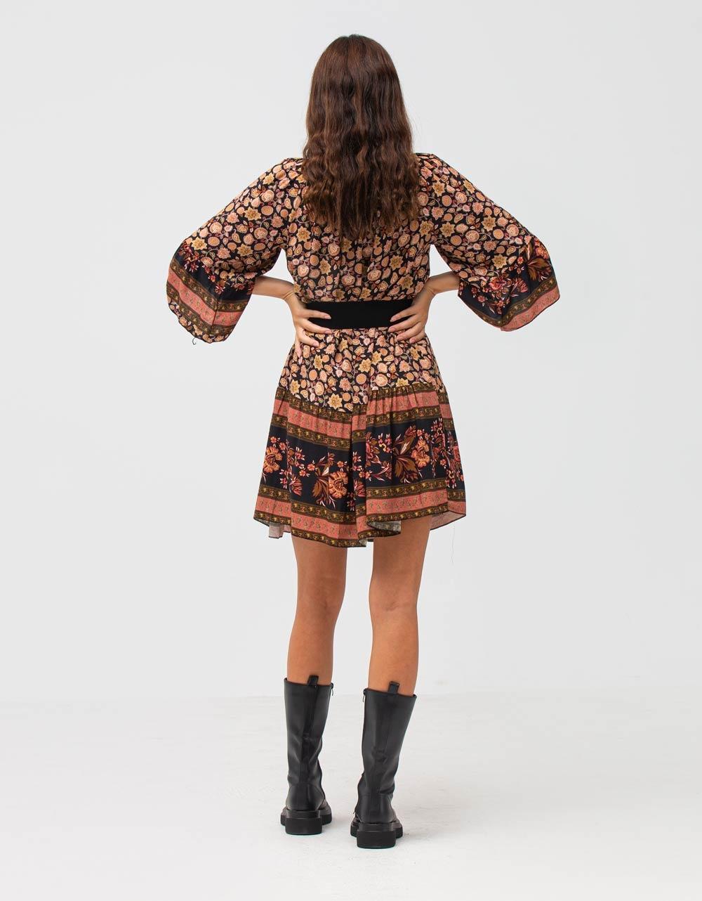 Εικόνα από Γυναικείο φόρεμα με βολάν Μαύρο