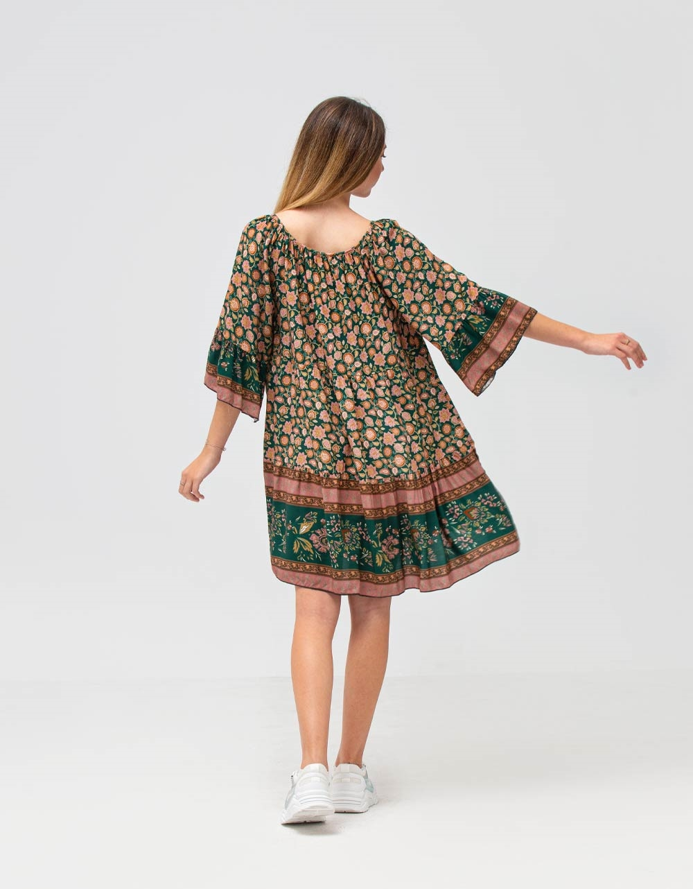 Εικόνα από Γυναικείο φόρεμα με βολάν Πράσινο