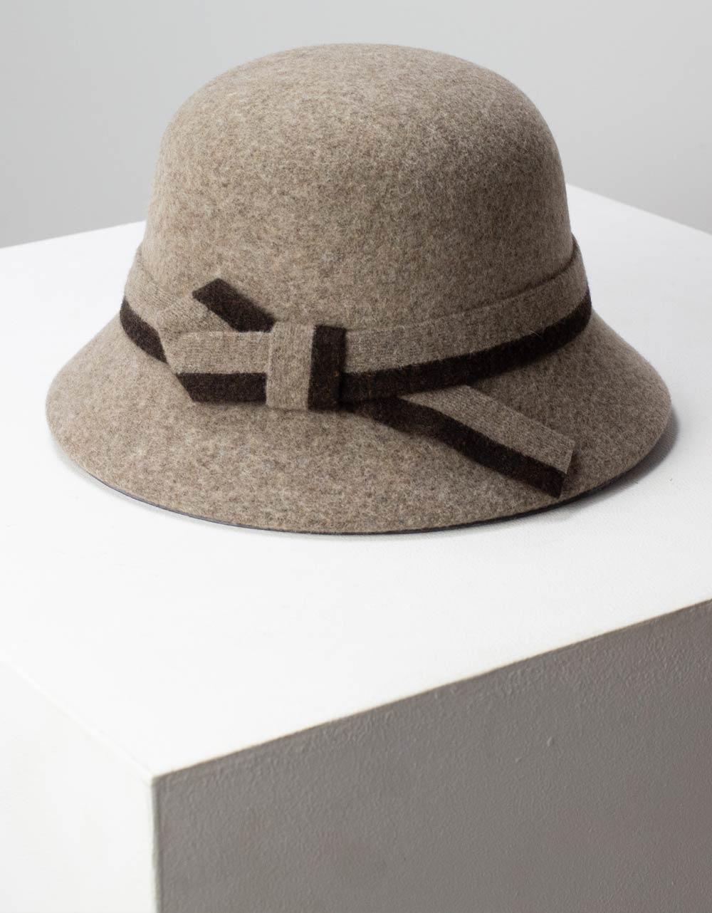 Εικόνα από Γυναικεία καπέλα με κορδέλα Πούρο