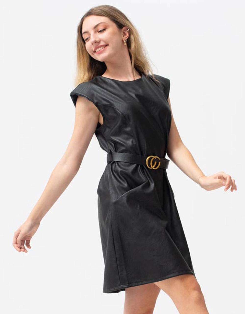 Εικόνα από Γυναικείο φόρεμα με βάτες στους ώμους Μαύρο