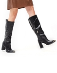 Εικόνα από Γυναικείες μπότες μονόχρωμες σε απλή γραμμή Μαύρο