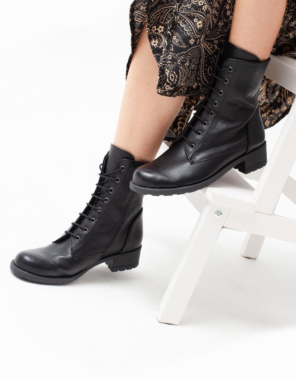 Εικόνα από Γυναικεία μποτάκια με φερμουάρ και κορδόνια Μαύρο