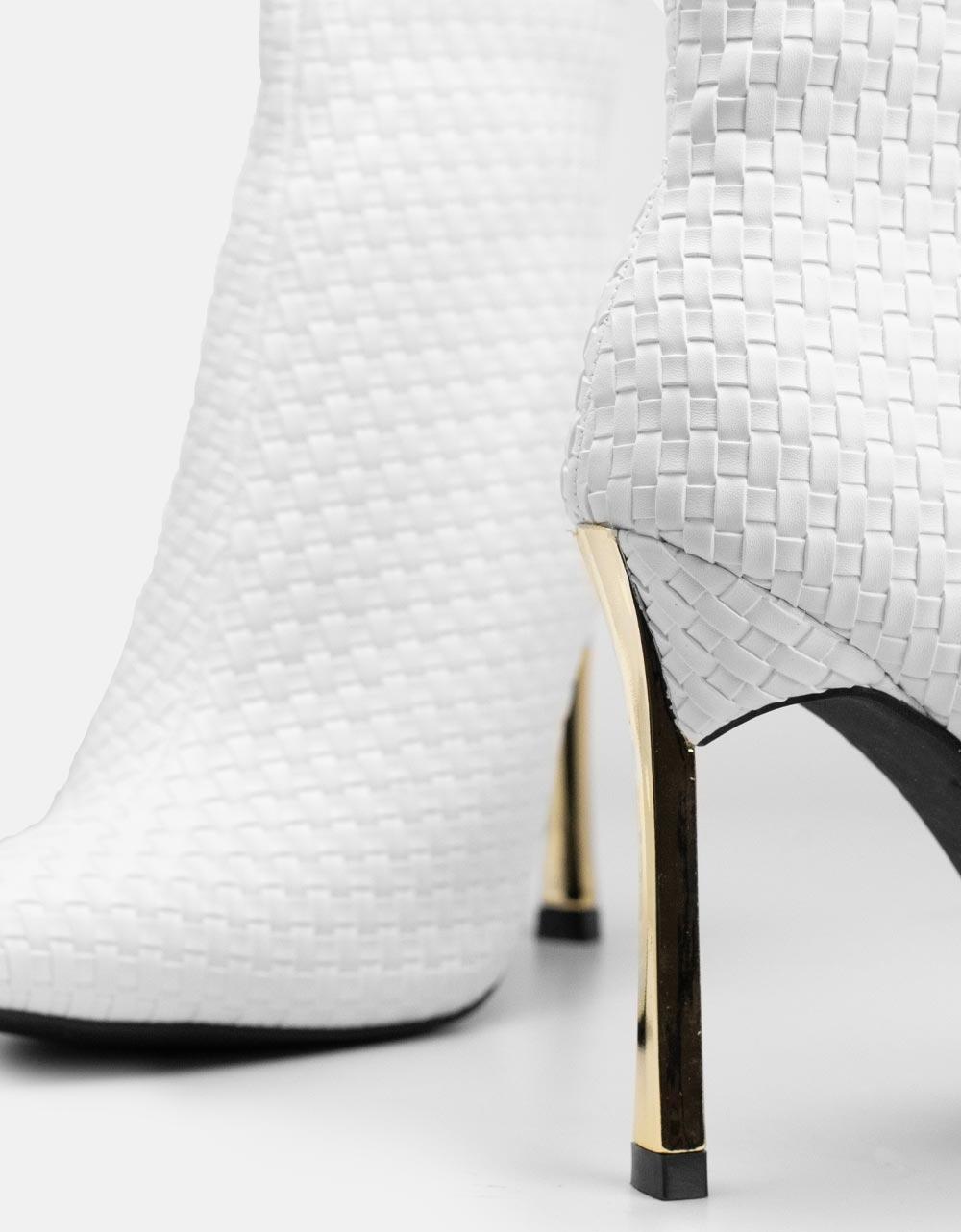 Εικόνα από Γυναικεία μποτάκια με λεπτό τακούνι Λευκό