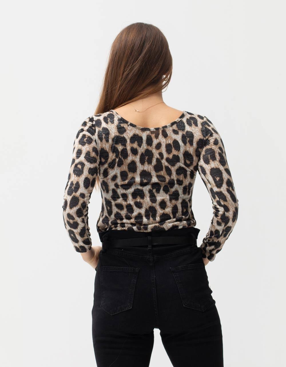 Εικόνα από Γυναικεία μπλούζα με animal print Μαύρο/Λεοπάρ