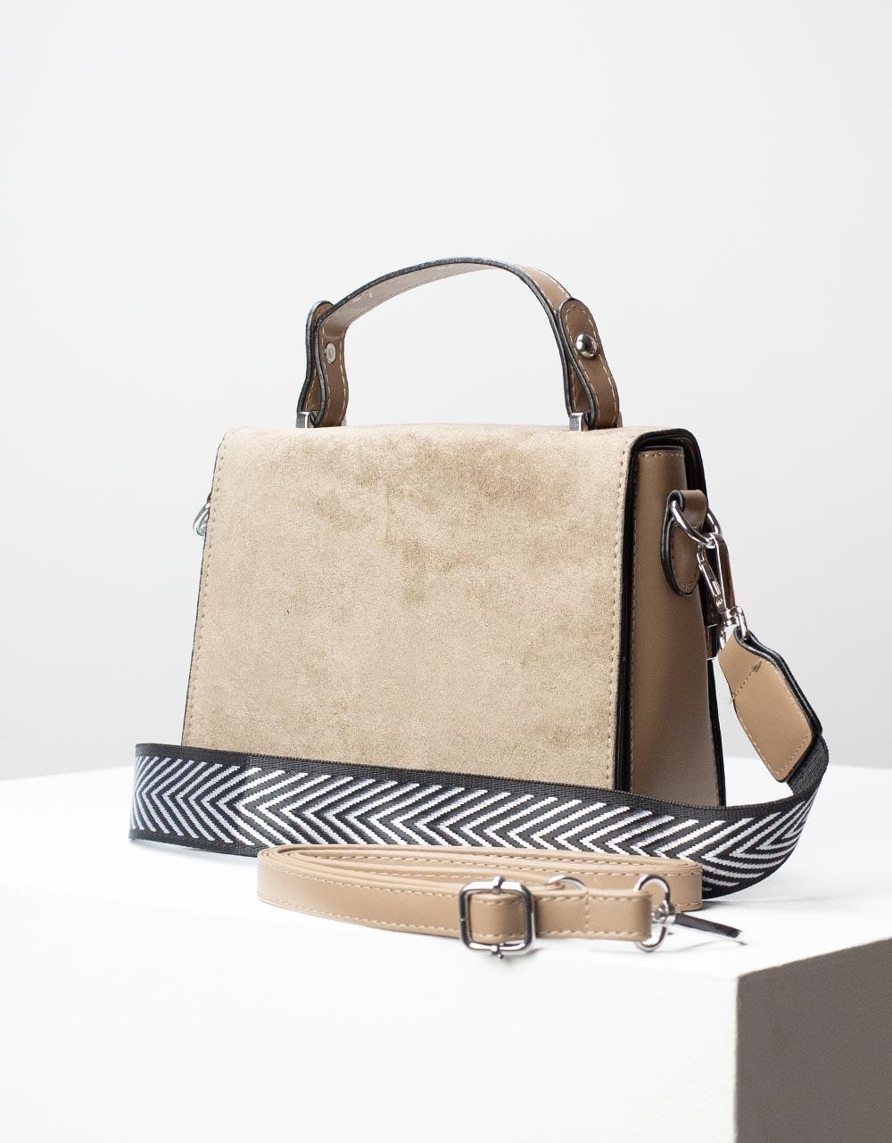 Εικόνα από Γυναικεία τσάντα ώμου σε συνδυασμό υλικών Πούρο
