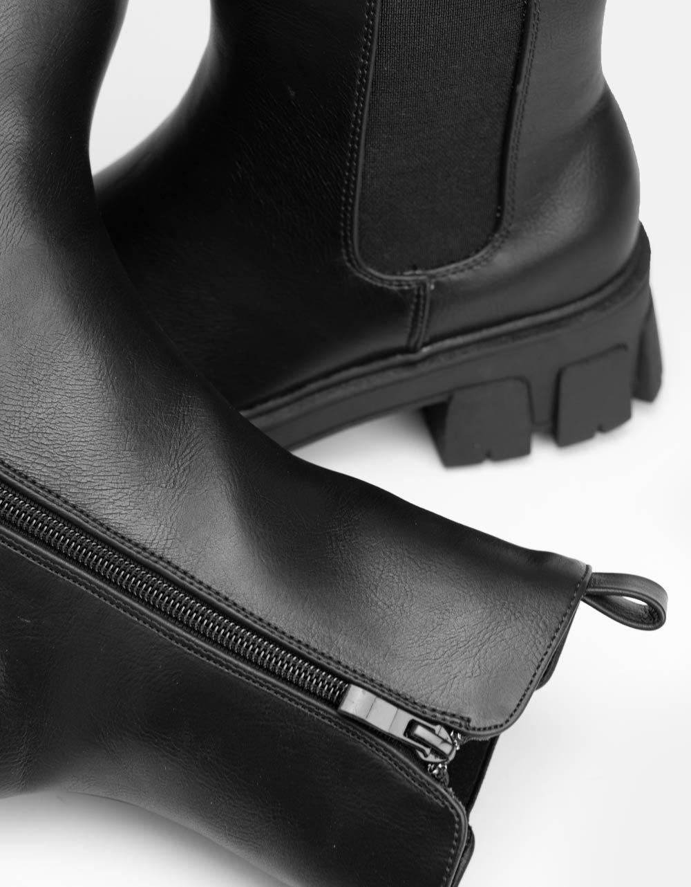 Εικόνα από Γυναικεία μποτάκια με τρακτερωτή σόλα Μαύρο