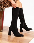 Εικόνα από Γυναικείες μπότες μονόχρωμες Μαύρο