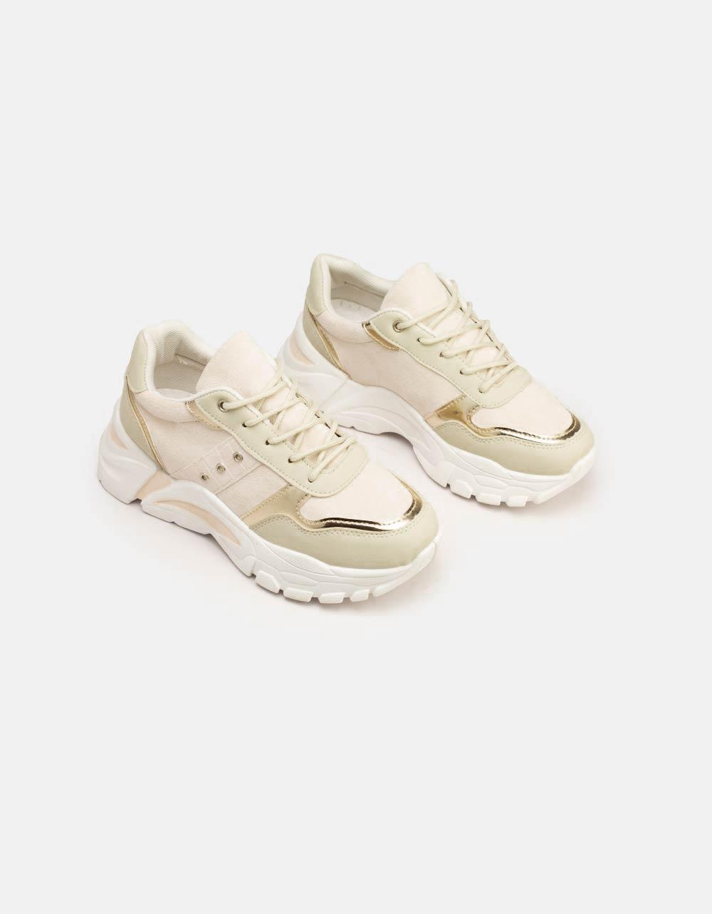 Εικόνα από Γυναικεία sneakers με ανάγλυφες λεπτομέρειες Μπεζ