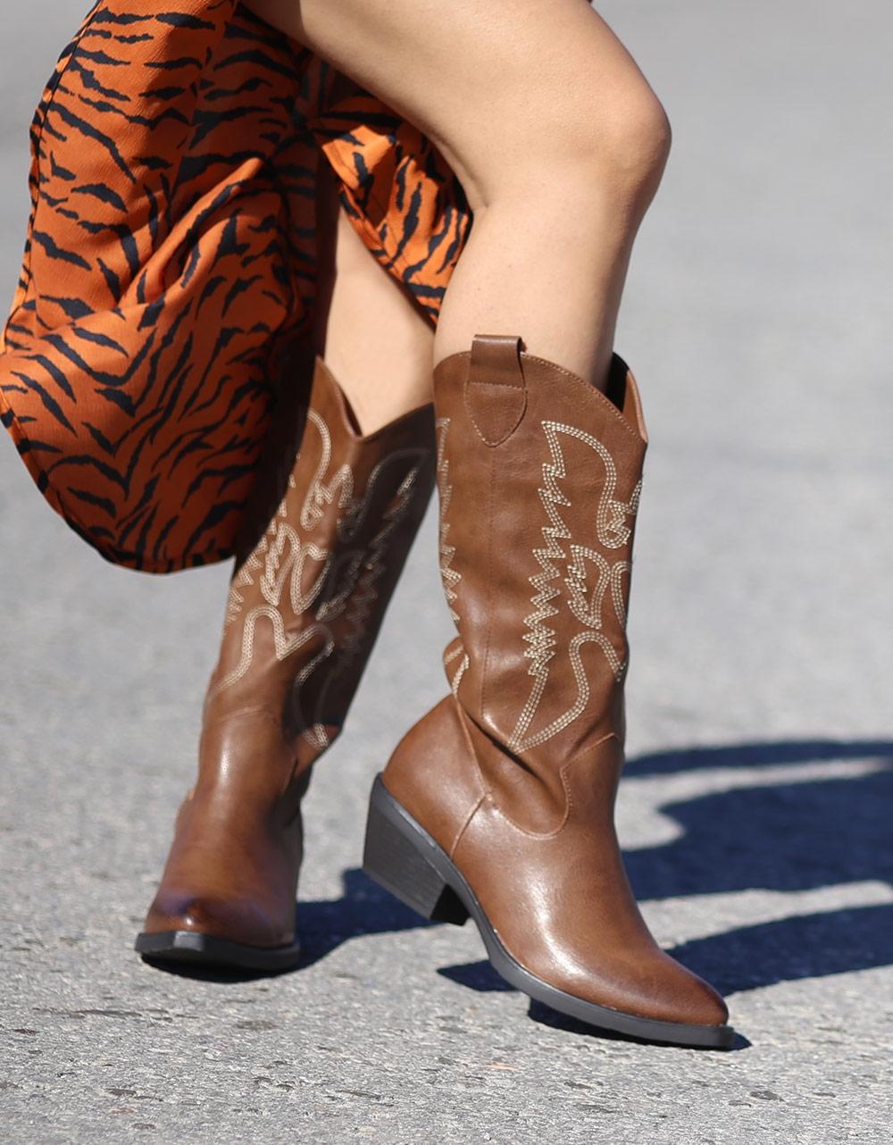 Εικόνα από Γυναικείες μπότες με σχέδια Καφέ