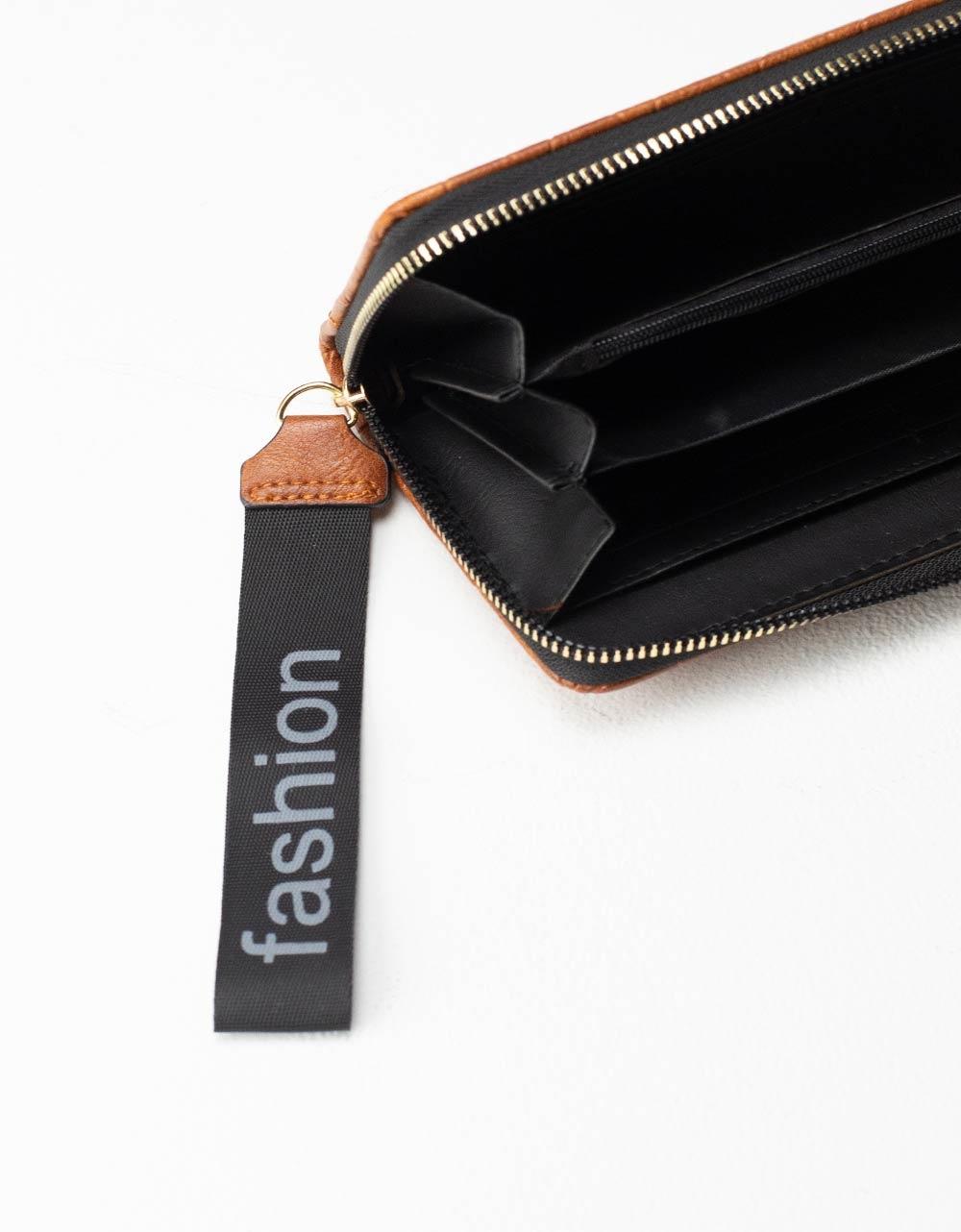 Εικόνα από Γυναικεία πορτοφόλια με μοτίβο Ταμπά
