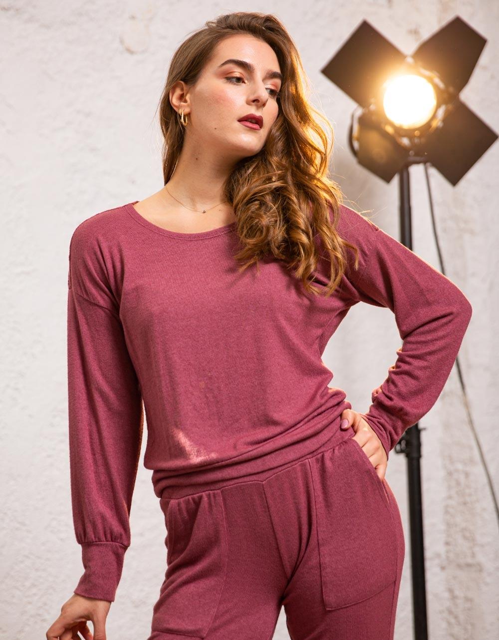 Εικόνα από Γυναικεία μπλούζα με δαντέλα στους ώμους Ροζ