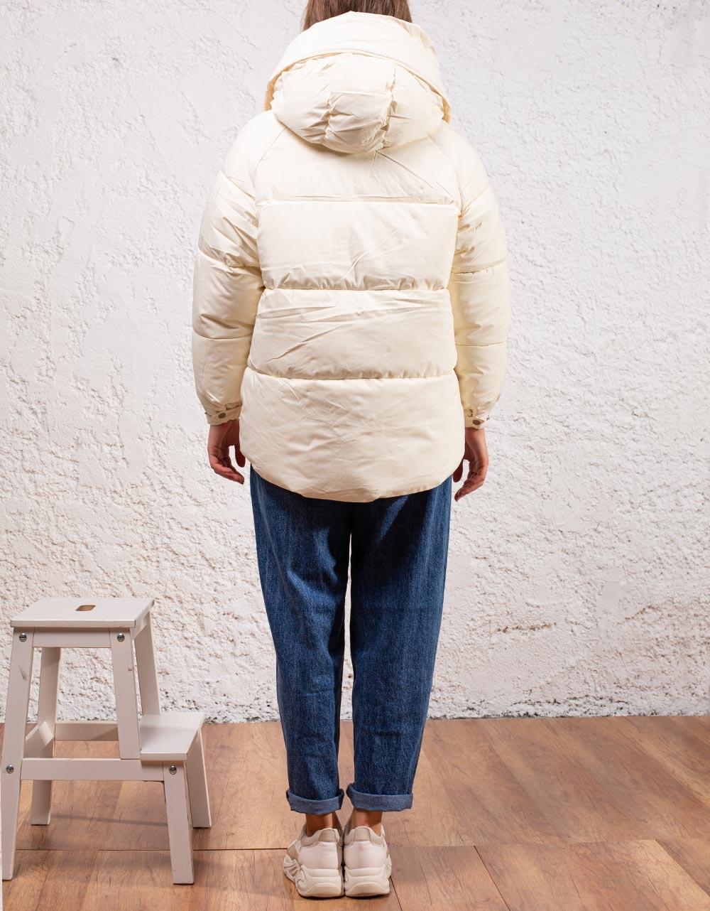 Εικόνα από Γυναικεία μπουφάν οversized φουσκωτό Λευκό