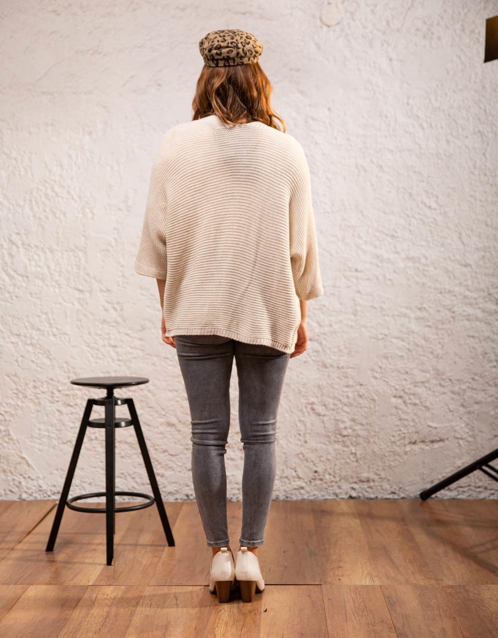Εικόνα από Γυναικεία ζακέτα πλεκτή Λευκό
