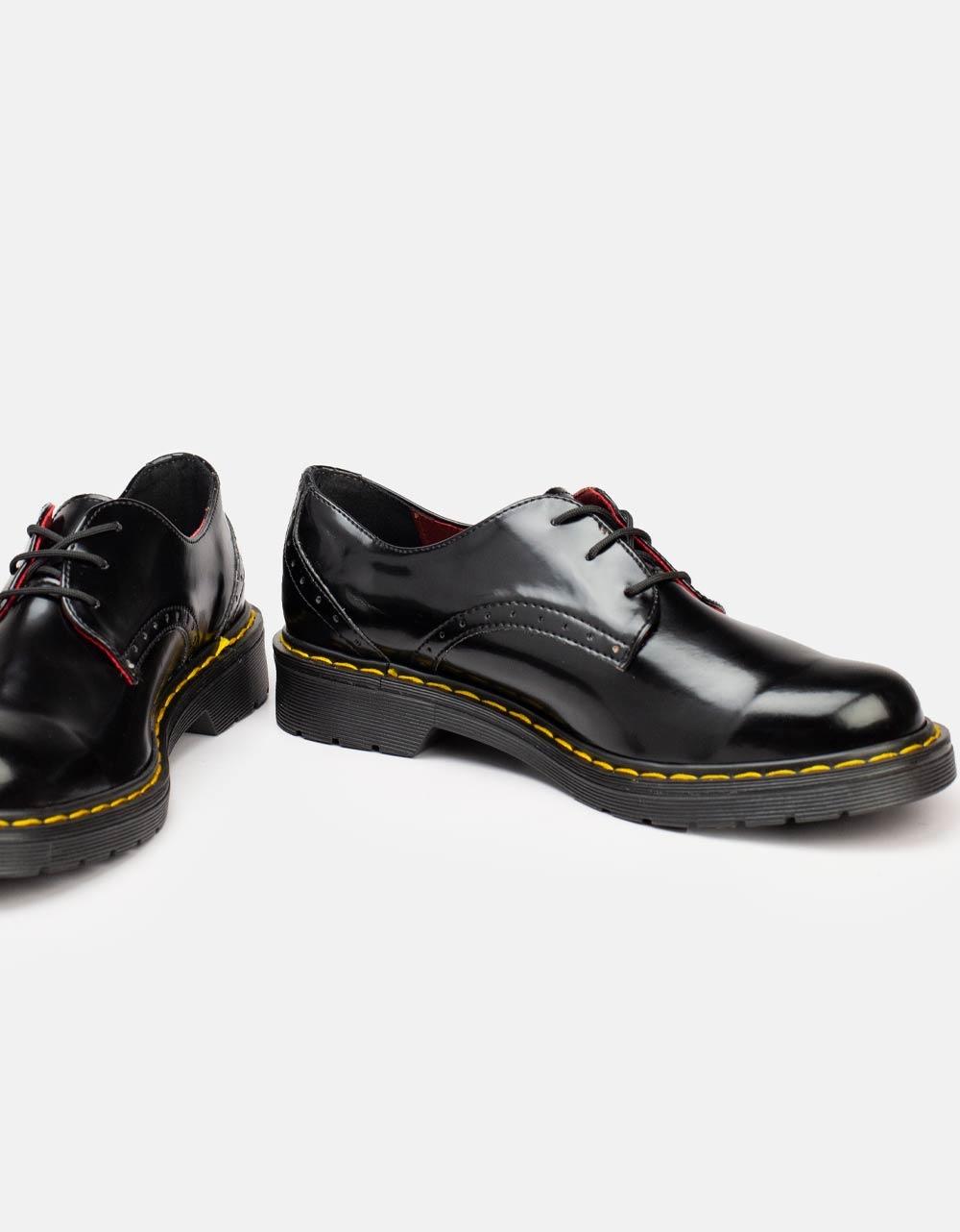 Εικόνα από Γυναικεία loafers με κορδόνια Μαύρο