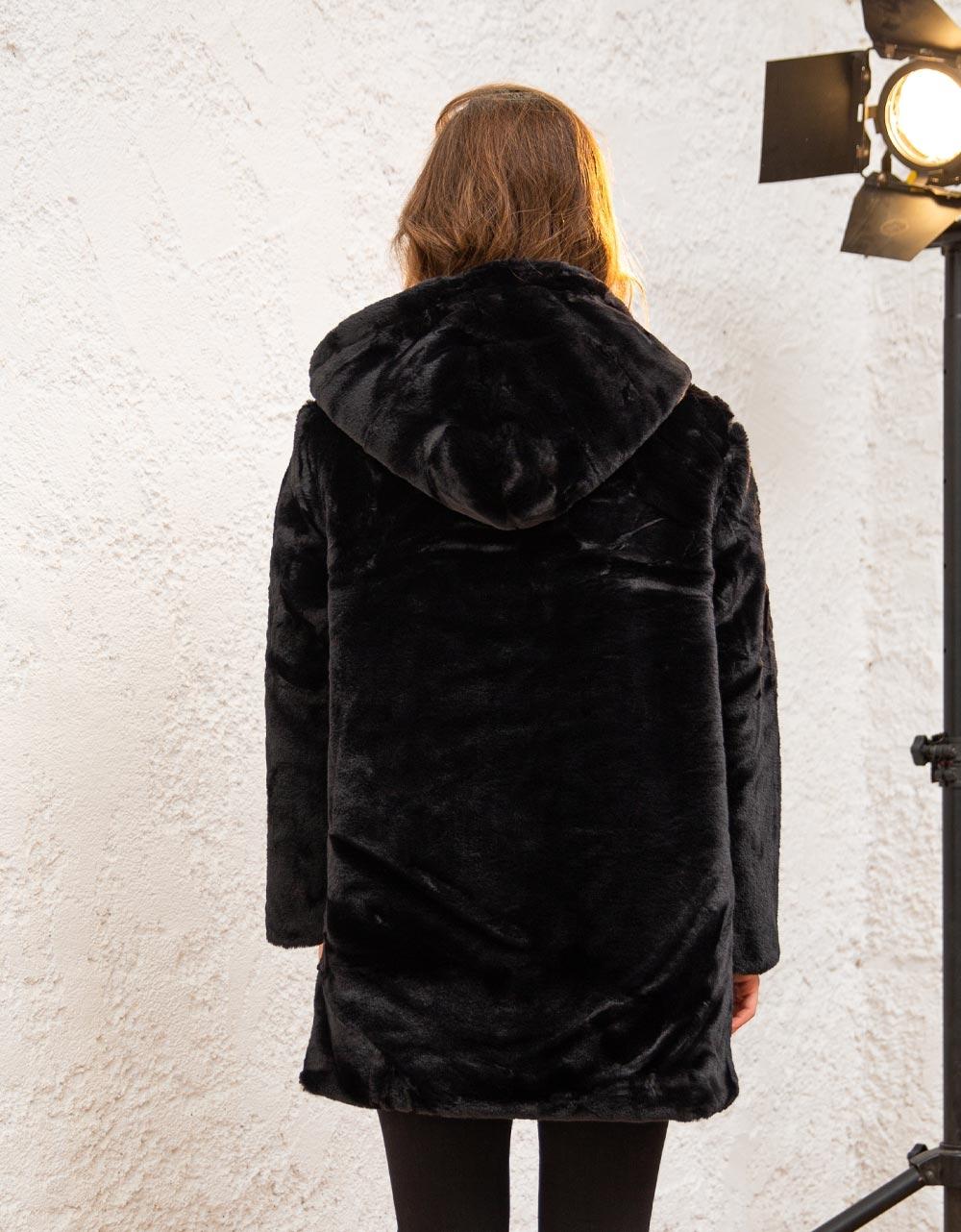 Εικόνα από Γυναικείo παλτό με κουκούλα από οικολογική γούνα Μαύρο