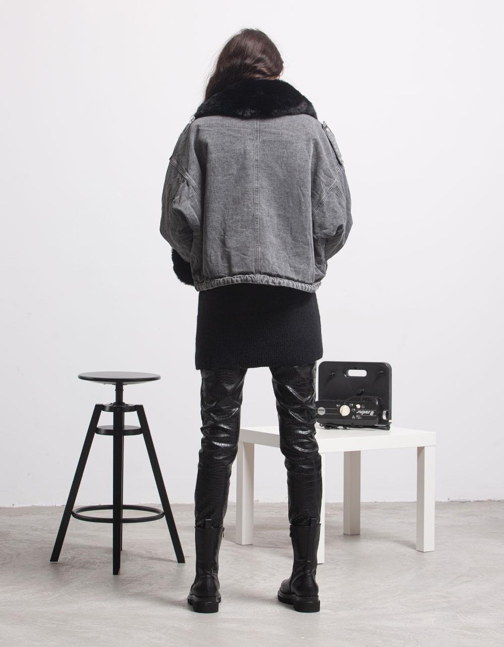Εικόνα από Γυναικείo μπουφάν με αποσπώμενο γουνάκι Τζιν