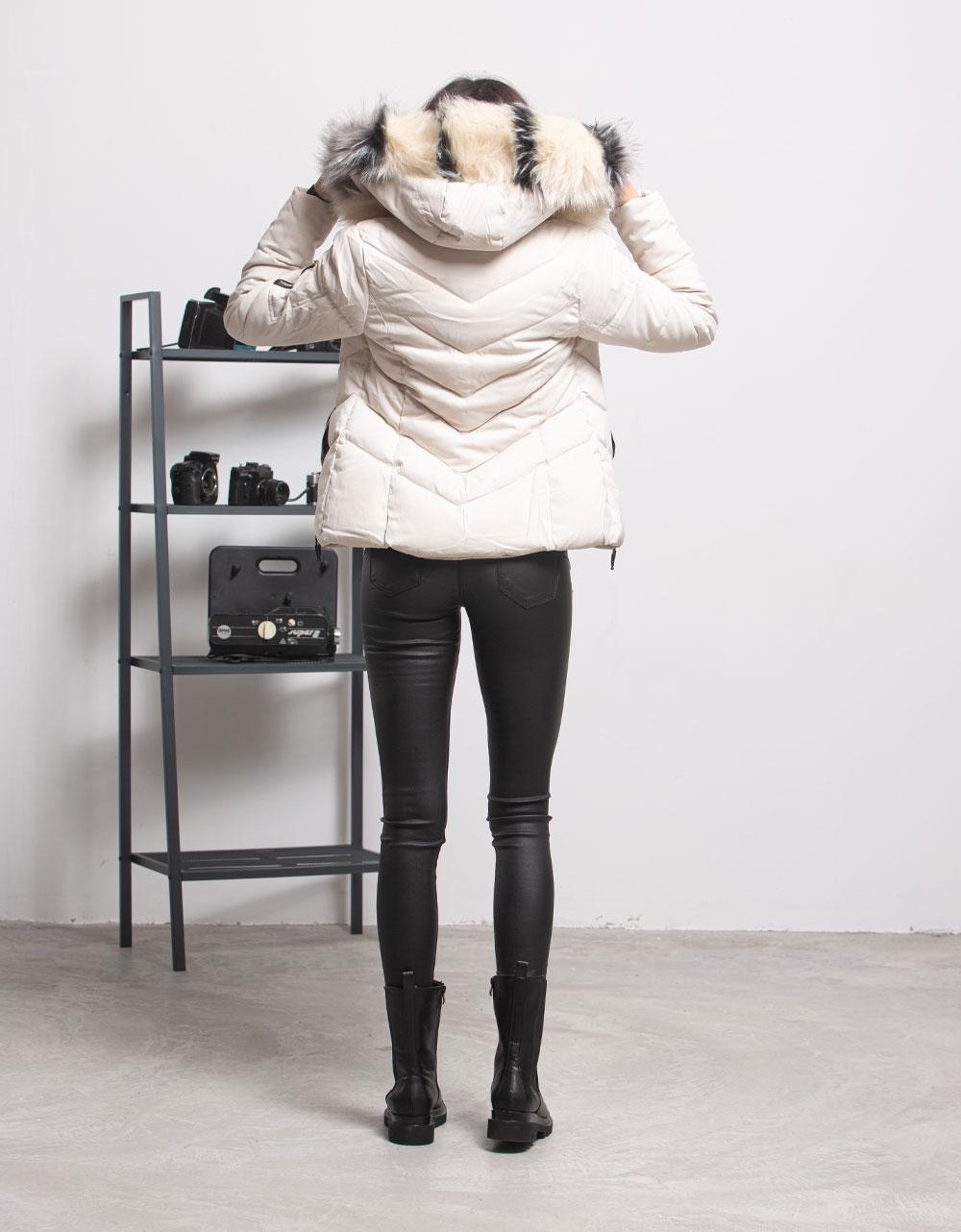Εικόνα από Γυναικείο μπουφαν με αποσπώμενη κουκούλα γουνάκι Μπεζ