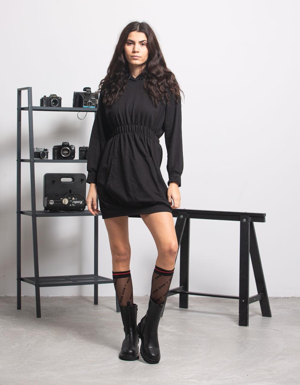 Εικόνα από Γυναικείο Φόρεμα με κουκούλα και σούρες Μαύρο
