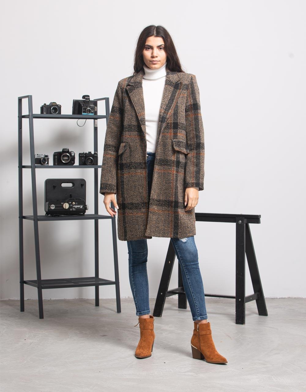 Εικόνα από Γυναικείo παλτό μακρύ με ρίγες Καφέ