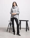 Εικόνα από Γυναικεία μπλούζα πλεκτή με ασύμμετρο σχέδιο Γκρι