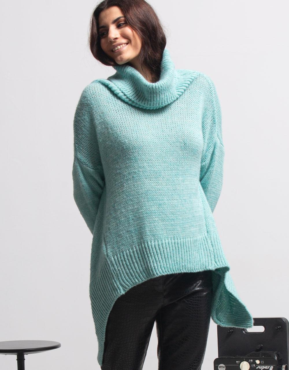 Εικόνα από Γυναικεία μπλούζα πλεκτή με ασύμμετρο σχέδιο Σιέλ