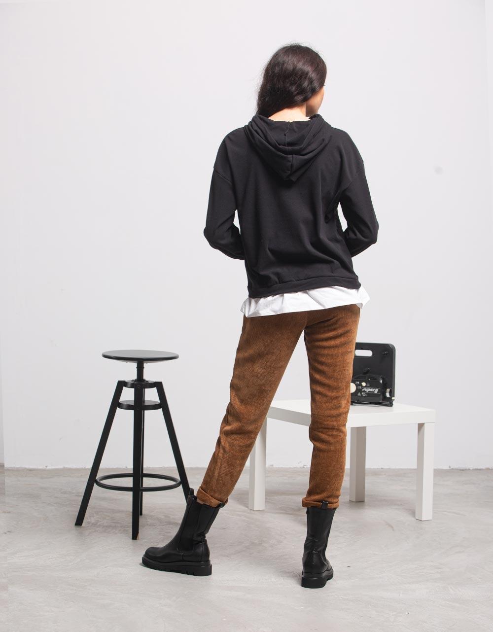 Εικόνα από Γυναικεία μπλούζα με κουκούλα Μαύρο