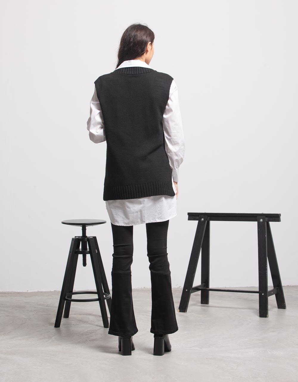 Εικόνα από Γυναικεία μπλούζα γιλέκο πλεκτό Μαύρο