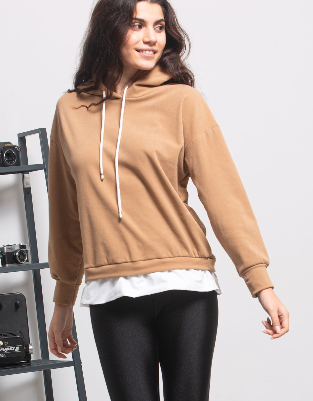 Εικόνα από Γυναικεία μπλούζα με κουκούλα Μπεζ