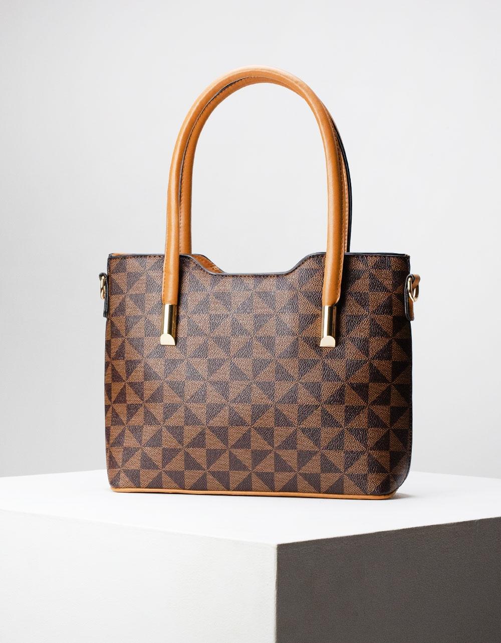 Εικόνα από Γυναικεία τσάντα ώμου με λεπτομέρειες Καφέ