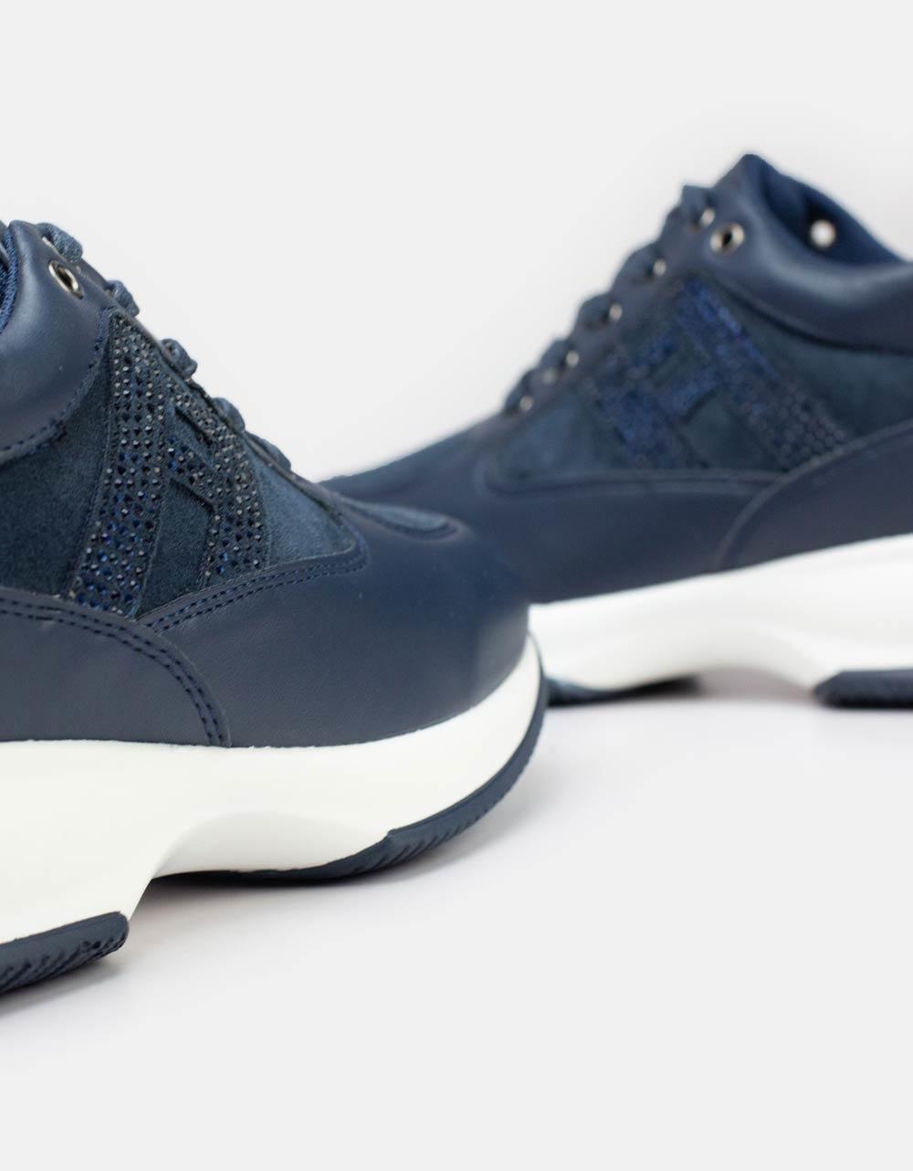 Εικόνα από Γυναικεία sneakers με strass στο πλαϊνό μέρος Μπλε