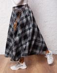 Εικόνα από Γυναικεία φούστα με καρό σχέδιο Μαύρο