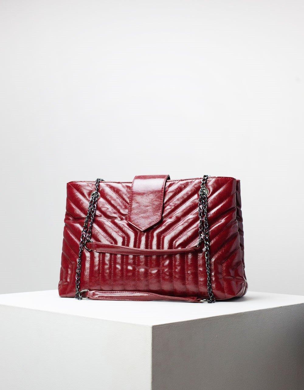 Εικόνα από Γυναικεία τσάντα ώμου & χιαστί με αλυσίδα Μπορντώ