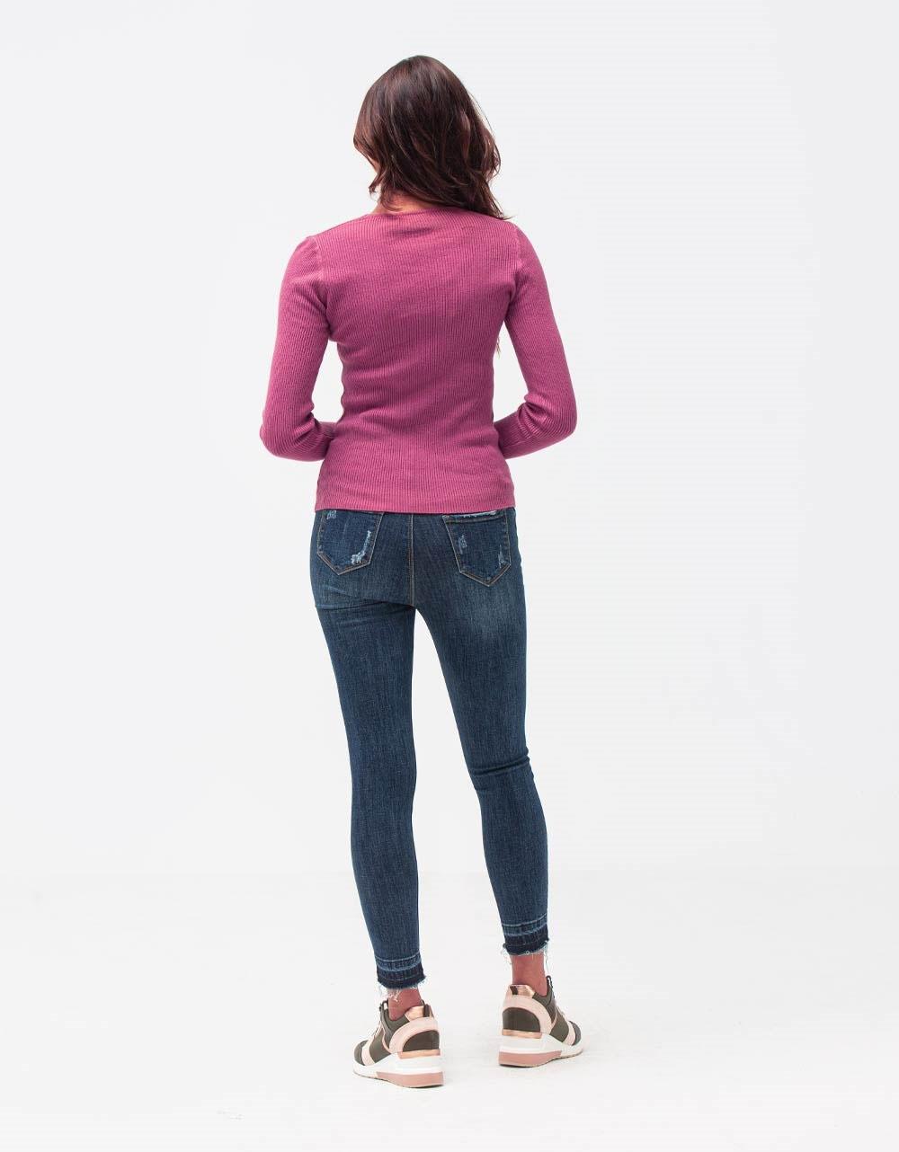 Εικόνα από Γυναικεία μπλούζα με λαιμόκοψη V Ροζ
