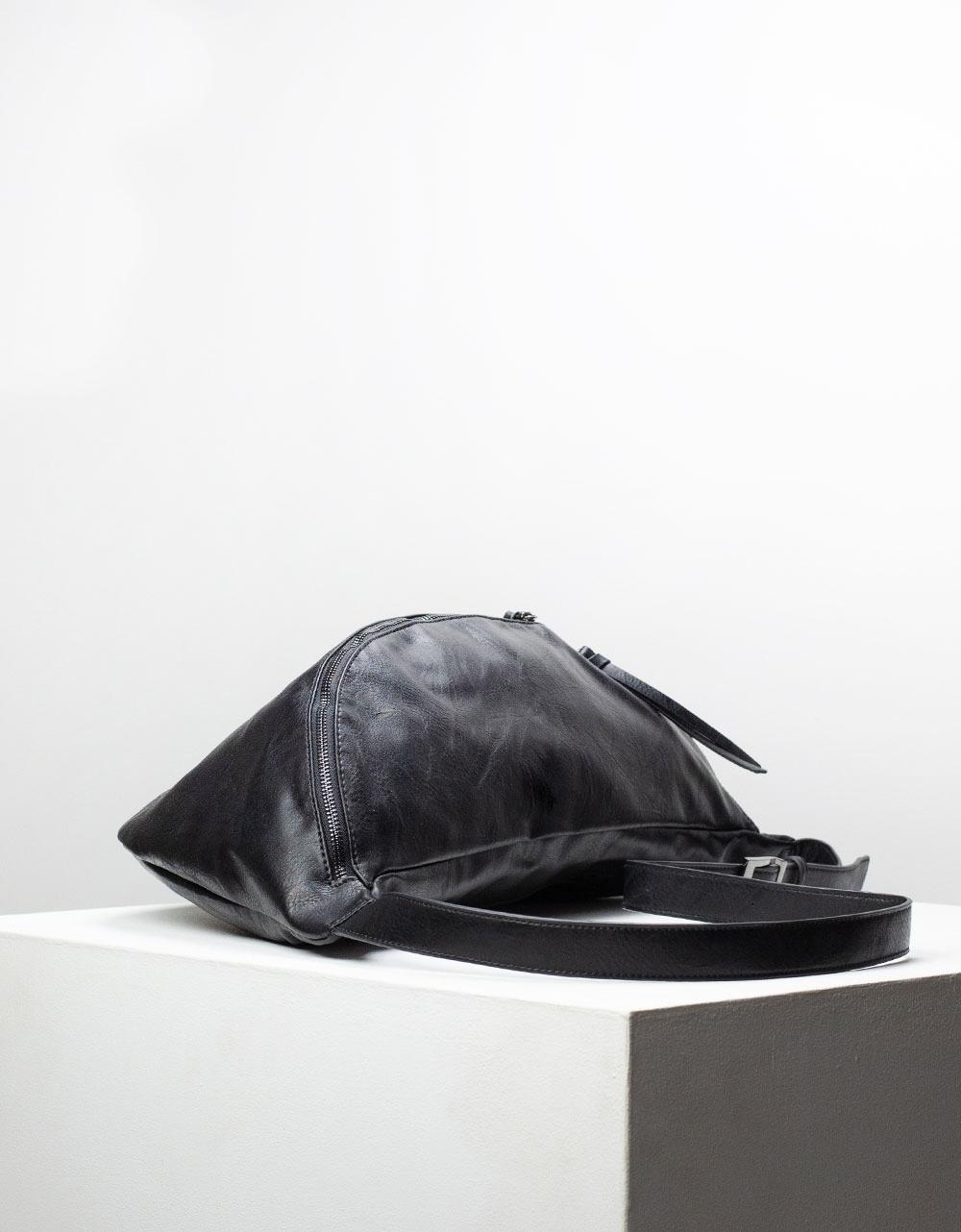 Εικόνα από Γυναικεία τσάντα μέσης σε απλή γραμμή μονόχρωμη Μαύρο