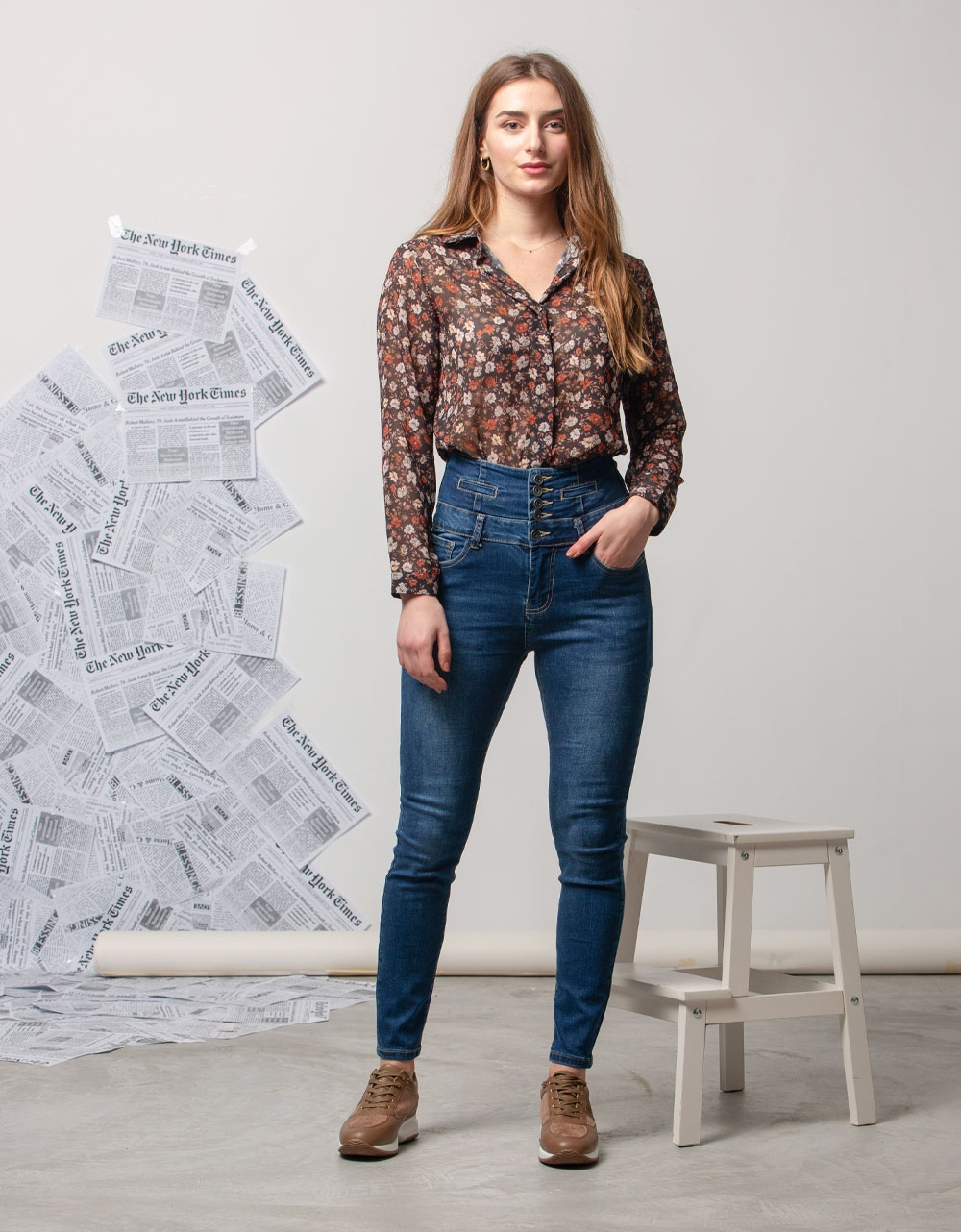 Εικόνα από Γυναικείo παντελόνι ψηλόμεσο Τζιν