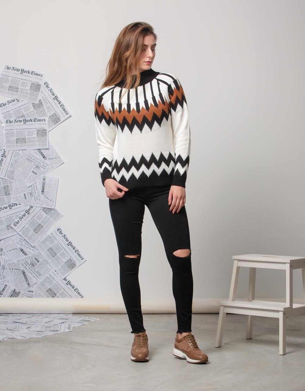 Εικόνα από Γυναικεία μπλούζα πλεκτή με σχέδιο Λευκό