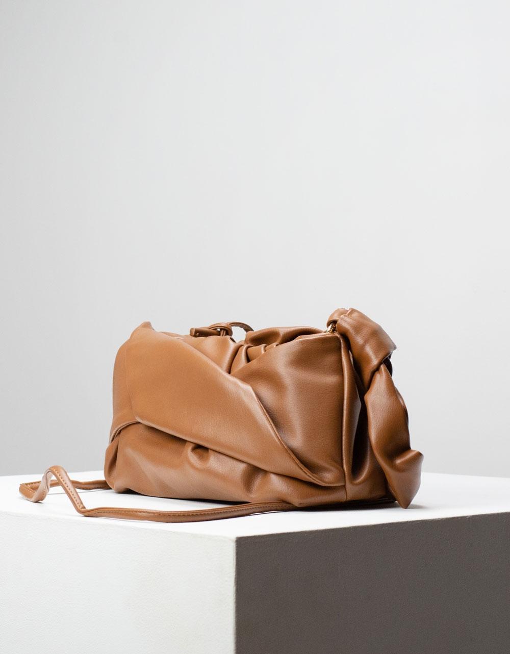 Εικόνα από Γυναικεία τσάντα ώμου & χιαστί με σούρες Ταμπά