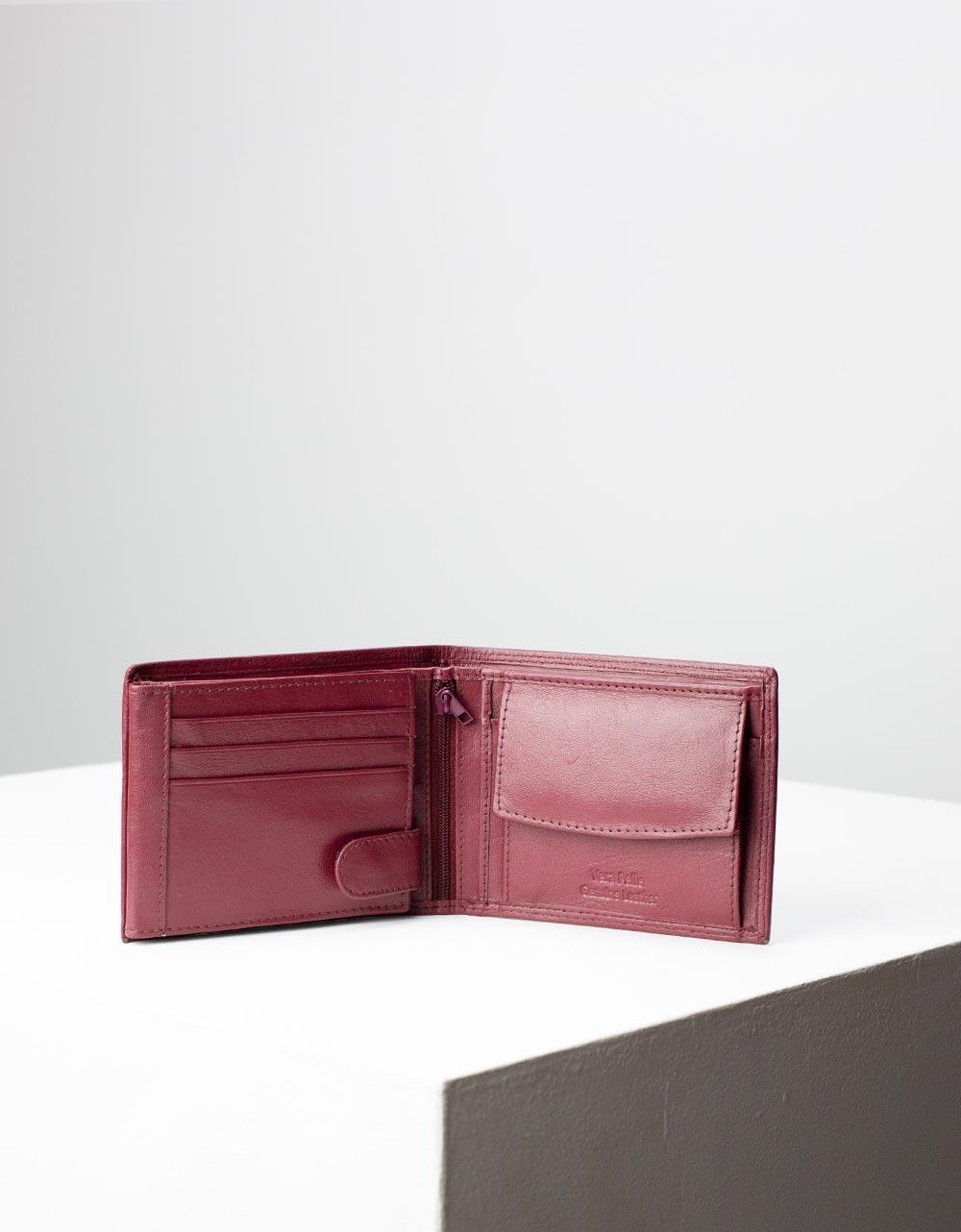 Εικόνα από Ανδρικά πορτοφόλια μονόχρωμα Μπορντώ