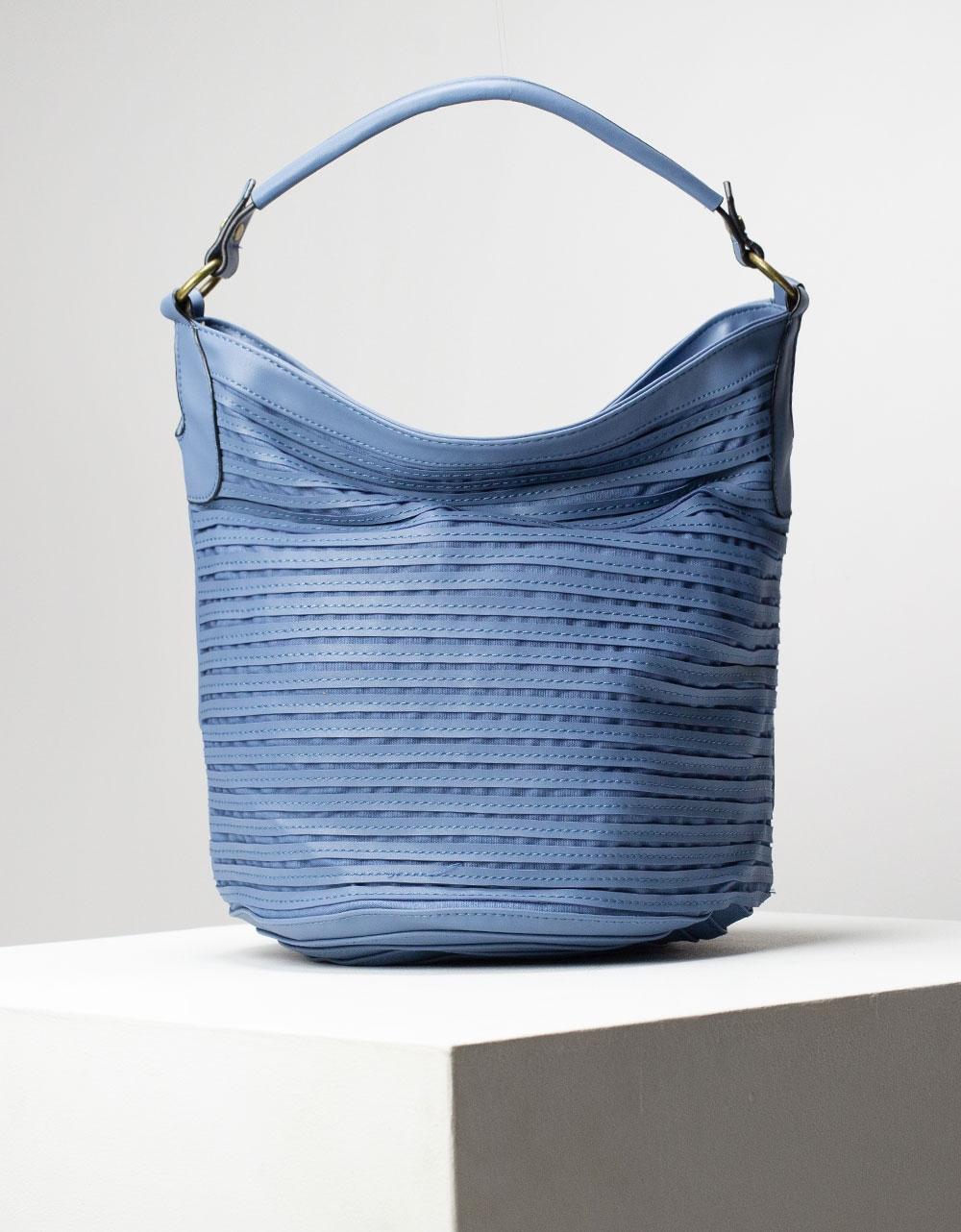 Εικόνα από Γυναικεία τσάντα ώμου & χιαστί με ανάγλυφες λεπτομέρειες Navy