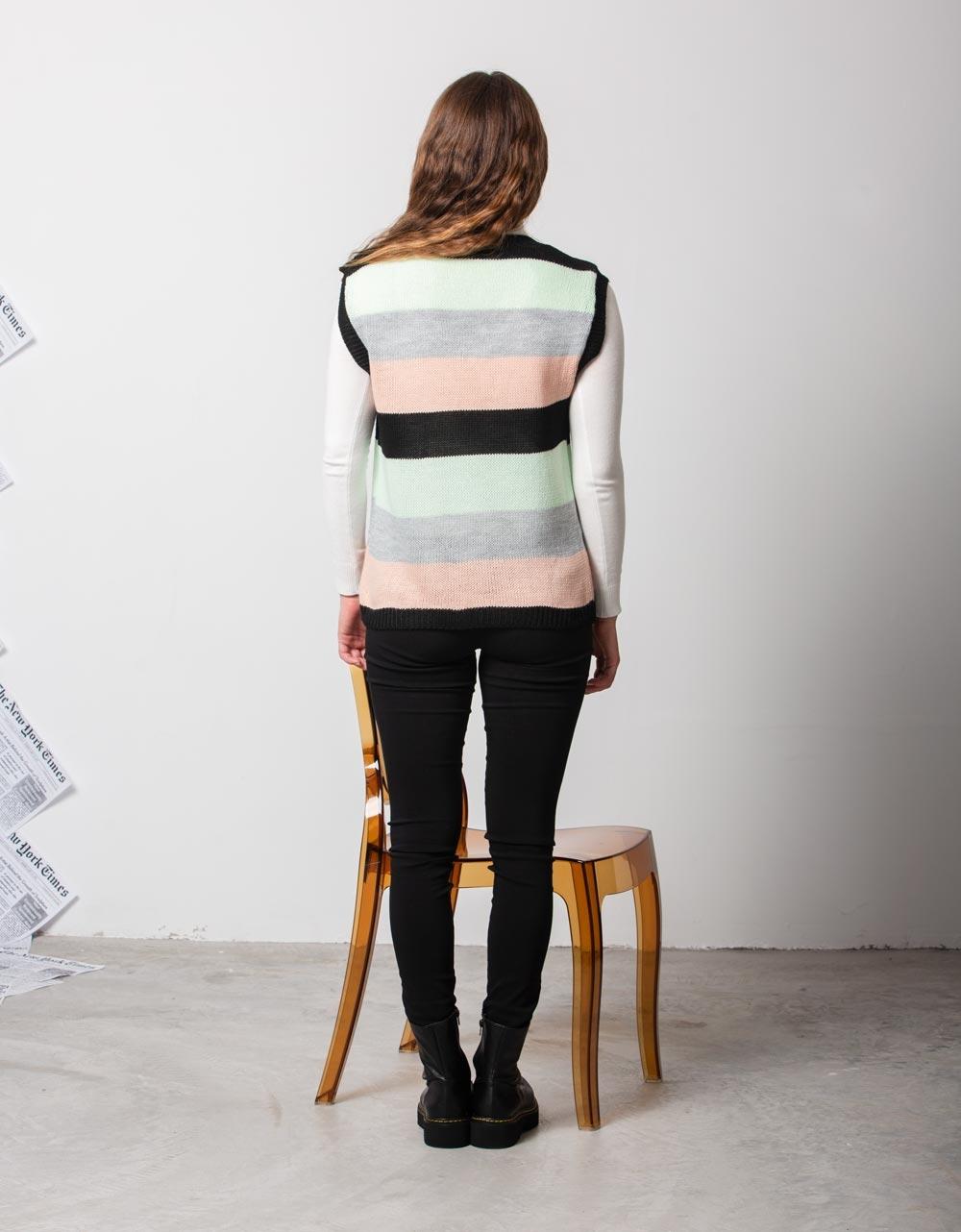 Εικόνα από Γυναικεία μπλούζα αμάνικο πλεκτό Μαύρο